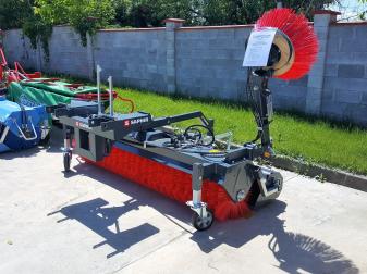 Немска четка за почистване  на плацове и складови помещения  марка Saphir модел GKM 231